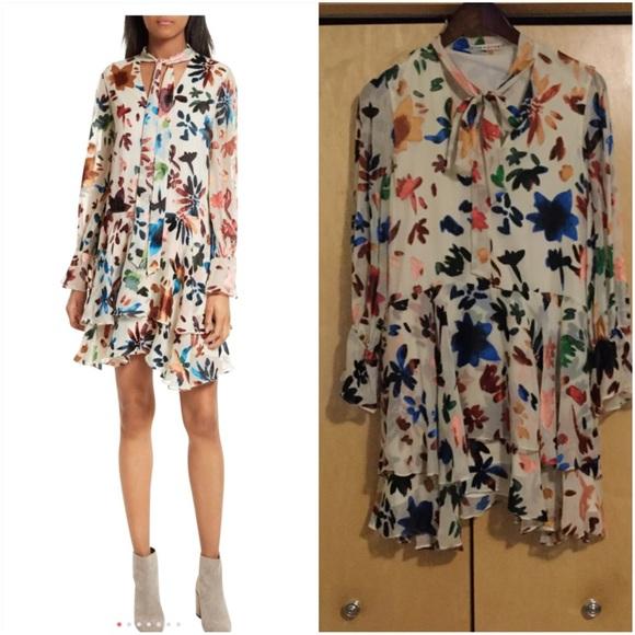 9931729d99 Alice + Olivia Dresses   Skirts - Alice + Olivia Moore V-Neck Layered Tunic
